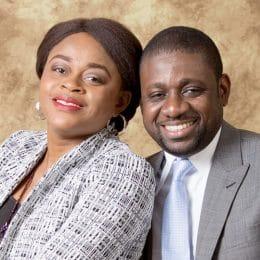 Athoms MBUMA est l'un des pasteurs assistants du CENTRE MISSIONNAIRE PHILADELPHIE, Kinshasa RDC.